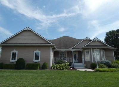 North Newton Single Family Home For Sale: 309 Old Colony Court