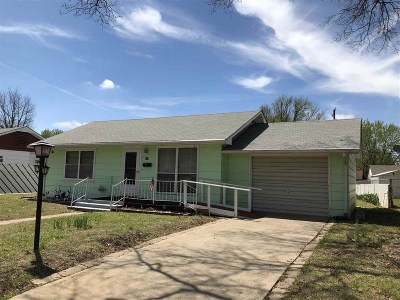 Arkansas City Single Family Home For Sale: 329 Random Road