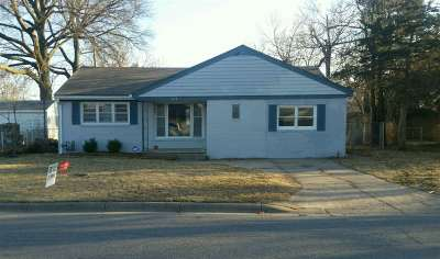 Harvey County Single Family Home For Sale: 113 SE 12th St