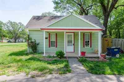 Douglass Single Family Home For Sale: 604 S Maple St