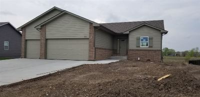 Maize Single Family Home For Sale: 701 S Horseshoe Bend