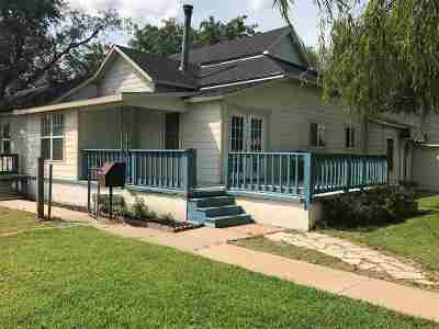 Arkansas City Single Family Home For Sale: 32270 Us Highway 77
