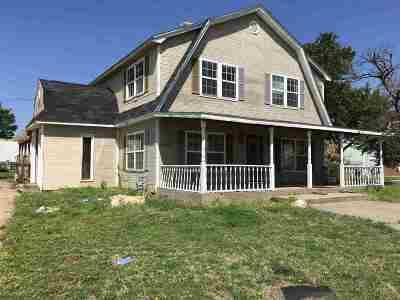 Arkansas City KS Single Family Home For Sale: $99,900