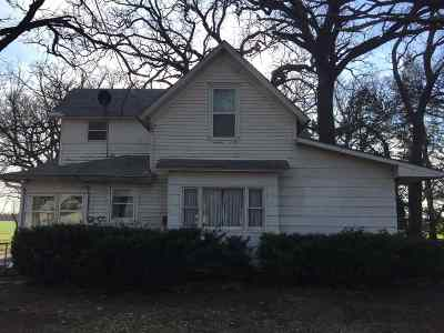 Newton Single Family Home For Sale: 7821 NW 12th St
