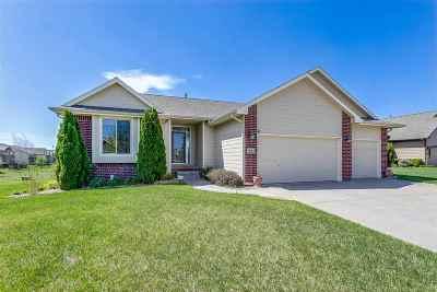 Andover Single Family Home For Sale: 611 W Fieldstone Ct.