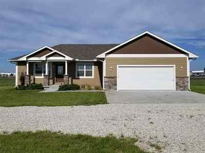 Winfield KS Single Family Home For Sale: $189,500