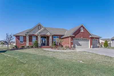 Wichita Single Family Home For Sale: 2117 N Glen Wood Ct