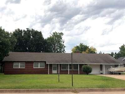 Wellington Single Family Home For Sale: 529 Morningside Dr