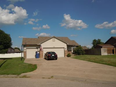 Haysville Single Family Home For Sale: 932 E Peach Ct