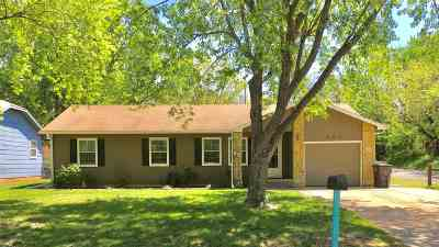 Arkansas City KS Single Family Home For Sale: $126,900