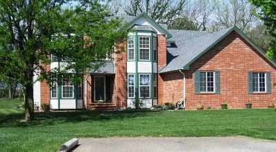 Mulvane Single Family Home For Sale: 401 N Trail Dr