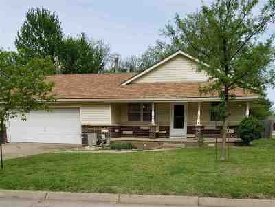 Winfield KS Single Family Home For Sale: $82,900
