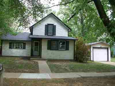 Winfield KS Single Family Home For Sale: $24,900
