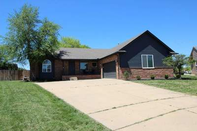 Bel Aire Single Family Home For Sale: 6726 E 44th Ct N