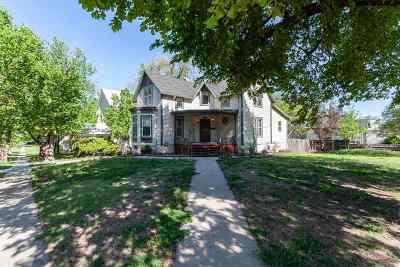 Newton Single Family Home For Sale: 226 E 9th St