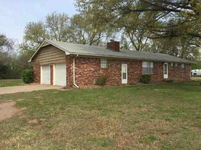 Clearwater KS Single Family Home For Sale: $125,000