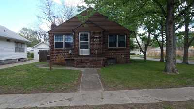 Winfield KS Single Family Home For Sale: $72,000