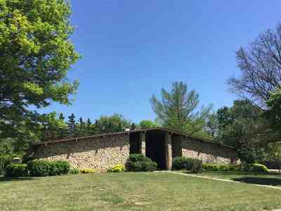 Newton Single Family Home For Sale: 1500 Terrace Dr