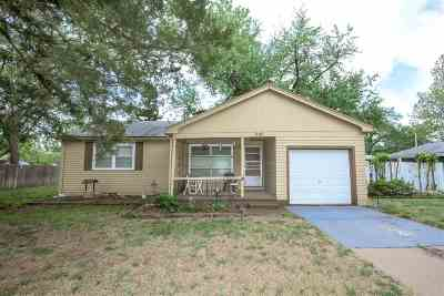 Newton Single Family Home For Sale: 909 Spruce St
