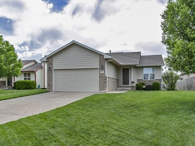 Andover Single Family Home For Sale: 1726 N Basswood Ct