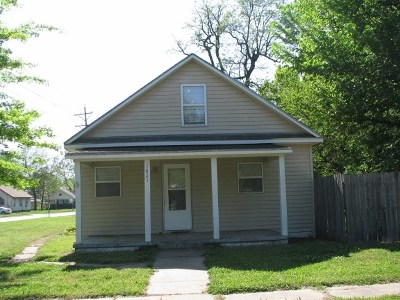 Winfield KS Single Family Home For Sale: $54,900