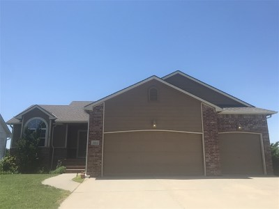 Winfield KS Single Family Home For Sale: $210,000