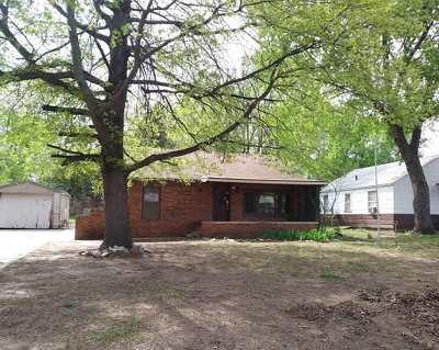 Arkansas City Single Family Home For Sale: 1615 N 6th St
