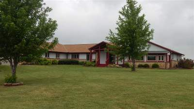 Winfield KS Single Family Home For Sale: $449,000