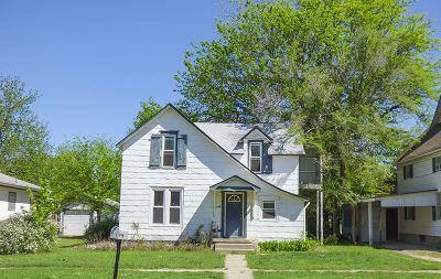 Newton Single Family Home For Sale: 212 E 9th St