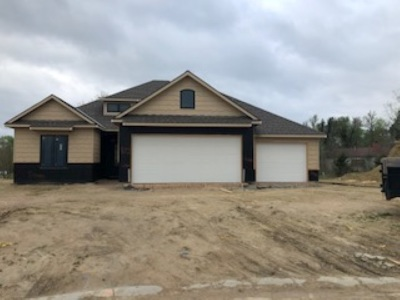 Wichita Single Family Home For Sale: 372 N Jackson Heights Ct