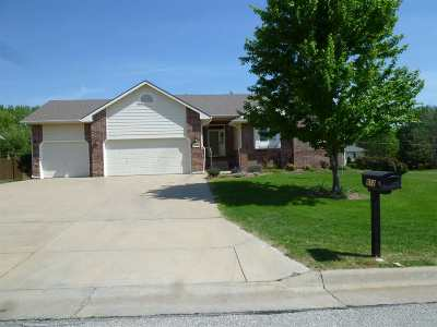 Winfield KS Single Family Home For Sale: $225,000
