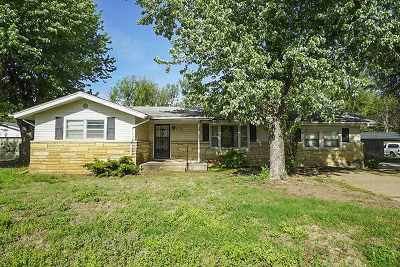 Wichita Single Family Home For Sale: 6025 S Minneapolis Ave