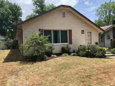 Arkansas City KS Single Family Home For Sale: $104,900