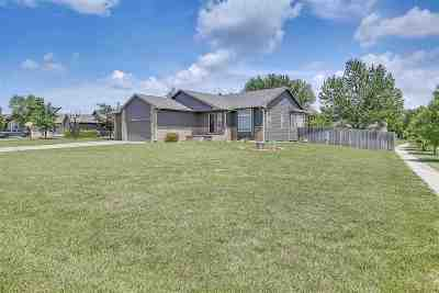 Wichita Single Family Home For Sale: 11302 W Carr Ct