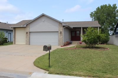 Wichita KS Single Family Home For Sale: $185,000