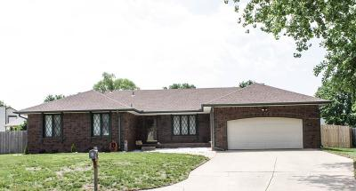 Wichita Single Family Home For Sale: 2538 S Yellowstone Cir