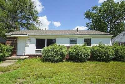 Single Family Home For Sale: 1118 E Catalina St