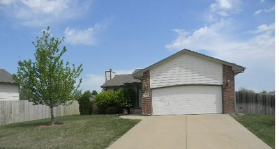Andover KS Single Family Home For Sale: $130,500