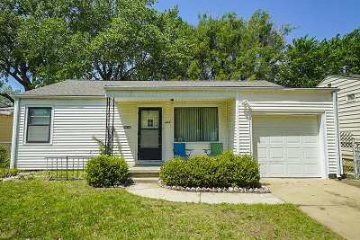 Single Family Home For Sale: 627 S Pinecrest St