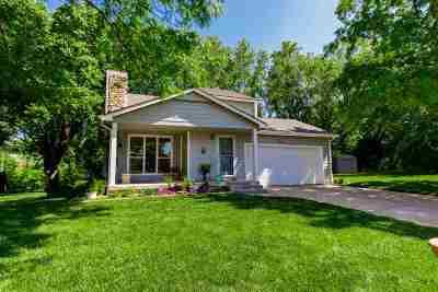Wichita KS Single Family Home For Sale: $220,000