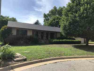 Arkansas City Single Family Home For Sale: 111 Malwood Court