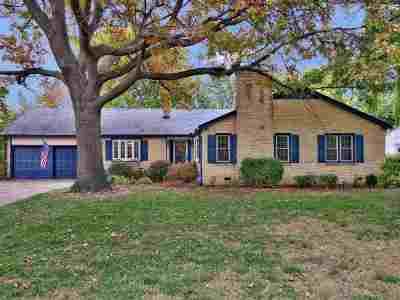 Eastborough Single Family Home For Sale: 58 S Stratford Rd