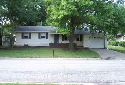 Hesston Single Family Home For Sale: 517 N Streeter Ave