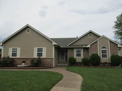 Single Family Home Sold: 1771 Lakeland Dr