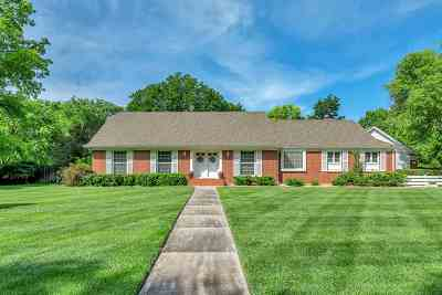 Newton Single Family Home For Sale: 1701 Cypress Lane