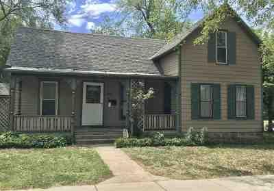 Newton Single Family Home For Sale: 301 E 8th St