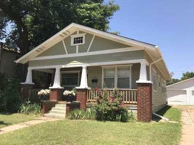 Wellington Single Family Home For Sale: 105 E 15th St