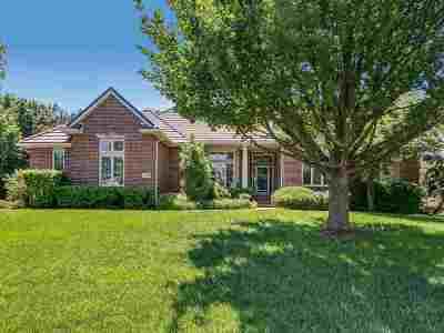 Wichita Single Family Home For Sale: 1159 N Woodridge Dr