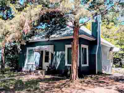 Mulvane Single Family Home For Sale: 126 Cedar St