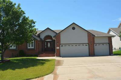 Wichita Single Family Home For Sale: 823 N Bristol Ct